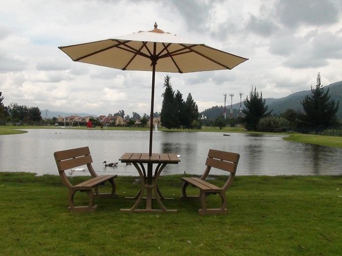 Mesa y sillas exterior baratas finest top sillas de for Conjunto de mesa de madera y silla de jardin barato