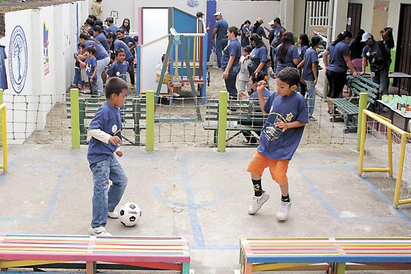 parques infantiles seguros para los nios diseno fabricacin montaje y ocio infantil area de juegos